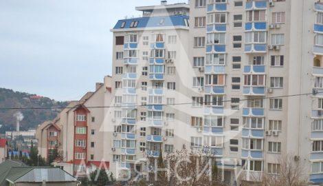 Продается квартира 3-х комнатная в г. Алушта по ул. Б. Хмельницкого 23
