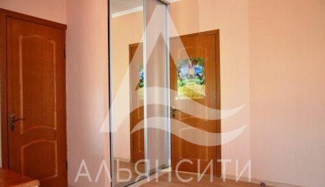 Продается дом в г. Алушта район Оливковая роща.