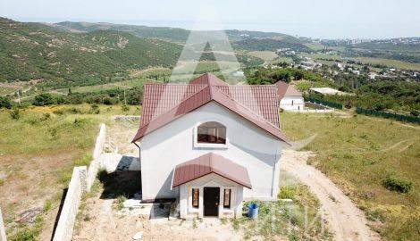 Продается дом  226 м.кв в Алуште,  с. Верхняя Кутузовка