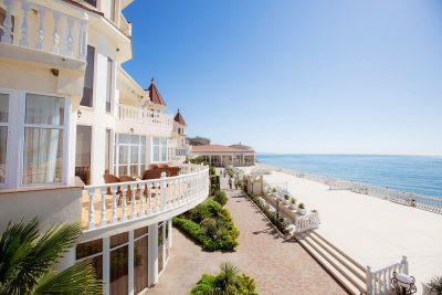 гостиницы на берегу моря