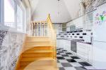 Продается пятикомнатная квартира по улице Богдана Хмельницкого в городе Алушта
